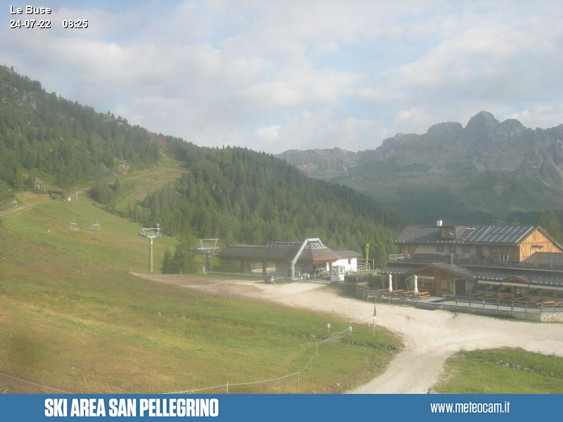 Webcam Passo San Pellegrino - Falcade - Chair lift Le Buse-Laresei - Altitude: 1,883 metresArea: Le BusePanoramic viewpoint: static webcam. Downstream station of the chair lift