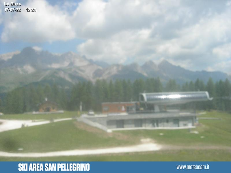 Webcam Passo San Pellegrino - Falcade - Le Buse cabin lift arrival - Altitude: 1,883 metresArea: Le BusePanoramic viewpoint: view from the top station of the cabin lift