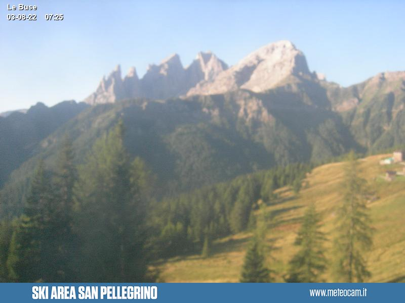 Webcam Passo San Pellegrino - Falcade - Le Buse - Altitude: 1,883 metresArea: Le BusePanoramic viewpoint: static webcam. view from the mountain station of the cabin lift
