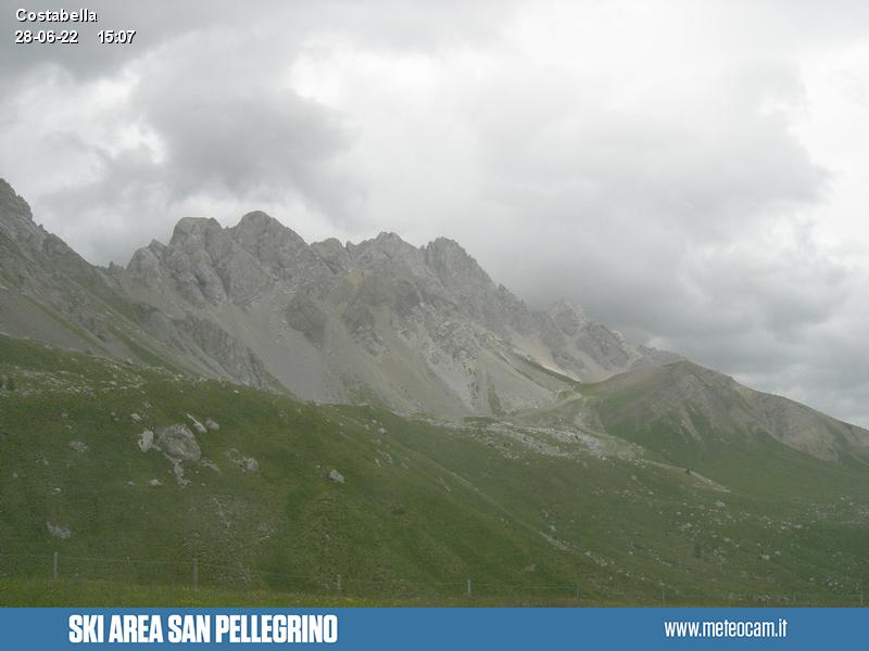 Webcam Passo San Pellegrino - Costabella chair lift arrival - Altitude: 2,175 metresArea: Costabella chair liftPanoramic viewpoint: static webcam. View from the top station of the