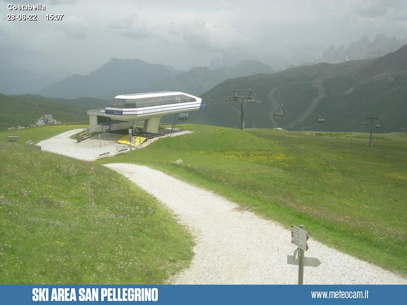 Webcam Passo San Pellegrino - Costabella Sessellift - Höhenlage: 2.175 mPosition: Costabella SesselliftAussichtspunkt: statische Webcam. Panoramablick von der Ankunft des Sesselliftes