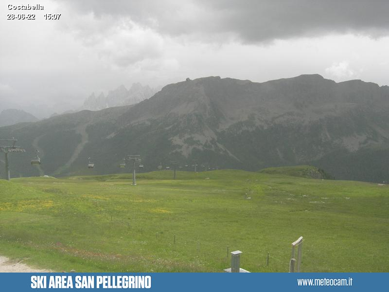 Webcam Passo San Pellegrino - Costabella - Col Margherita - Altitude: 2,175 metresArea: Costabella chair liftPanoramic viewpoint: static webcam. Outlook from the uphill station of the